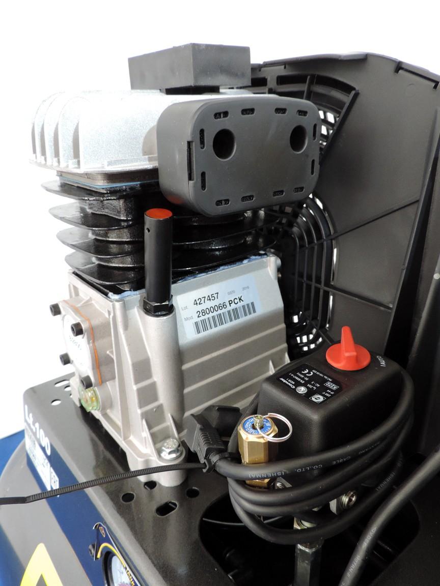 Pressostato con valvola di sicurezza, asta controllo olio gruppo pompante, filtro aspirazione aria