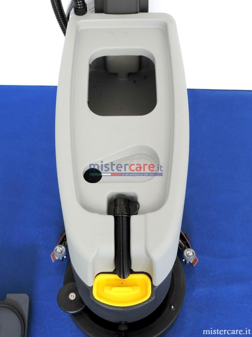 Accesso rapido al serbatoio di recupero e al galleggiante, facilmente ispezionabile
