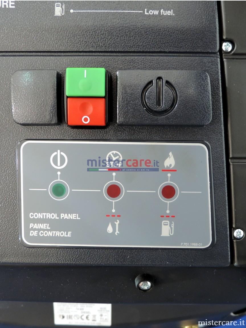 Pannello di controllo: spia presenza rete, spia segnalazione guasti/problemi pompa, spia riserva gasolio e problemi bruciatore