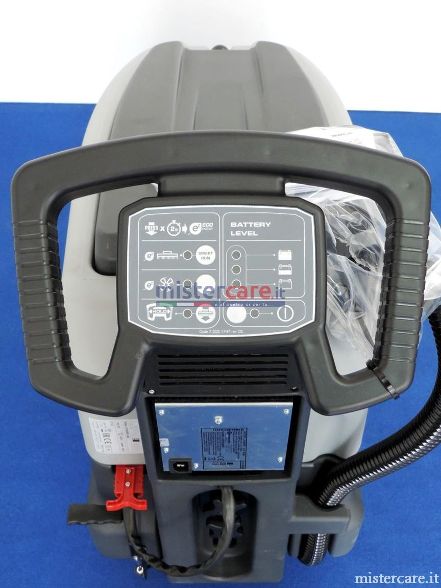 Impugnatura regolabile ed ergonomica, sistema di sicurezza presenza operatore, e comandi soft-touch, (modalità Eco-Energy e sistema automatico di sicurezza per basso livello di carica sui modelli a batteria)